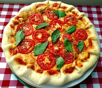 Pizza Média Vegana com Borda Recheada Congelada - Sabores - Chico Pizzeria 1